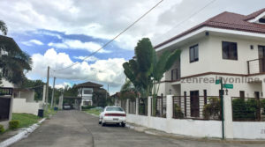 La Residencia de Sta Rosa Laguna Corner House